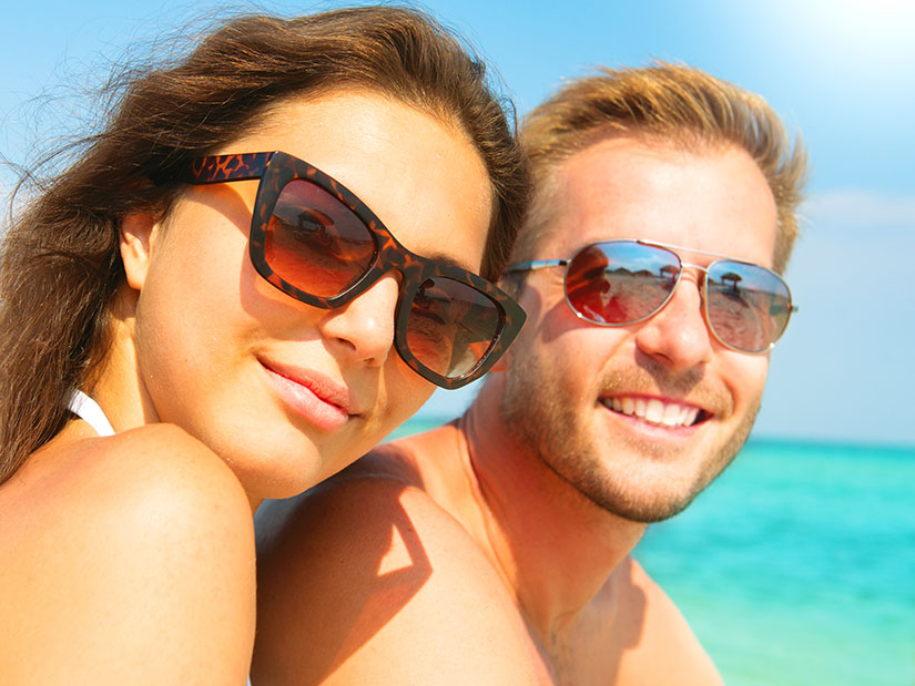 Help your customer find the best beach sunglasses