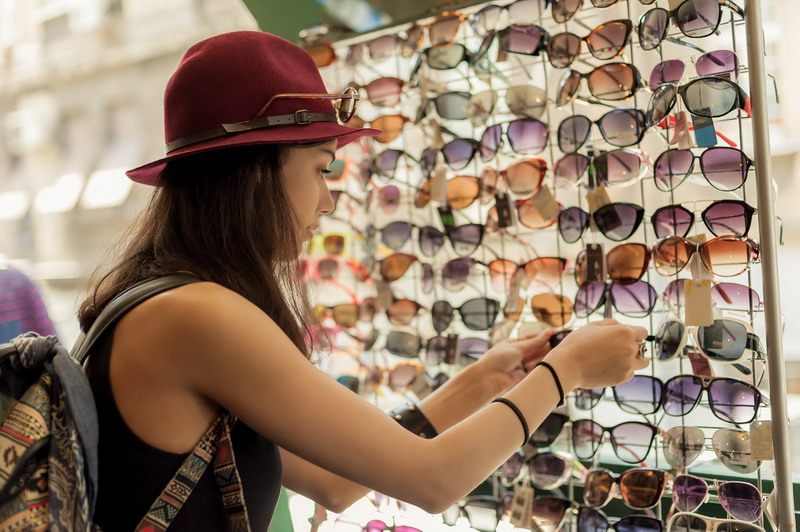 5 Things Customers Want Eyewear Retailers to Know