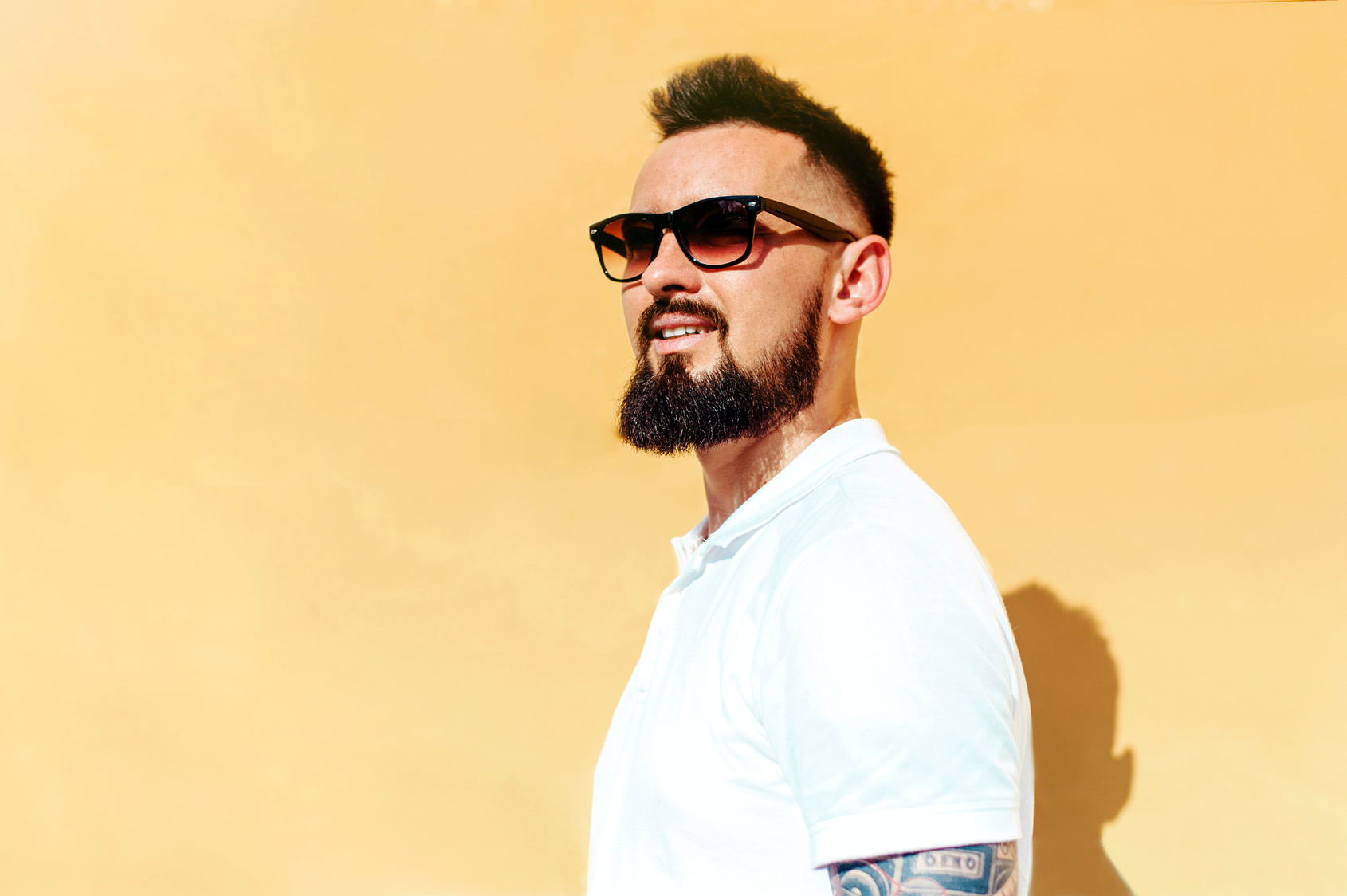 That Funny Relationship Between Sunglasses and Beards