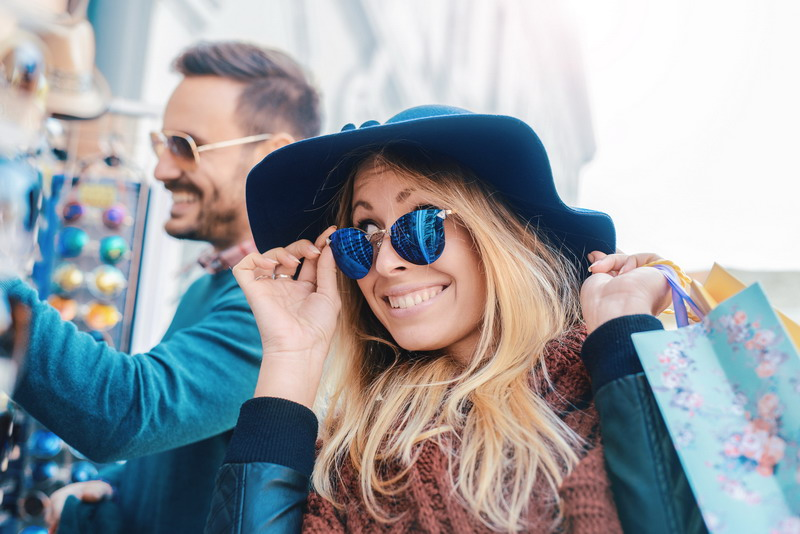 Spring is the Season for Wholesale Sunglasses and Pop-Up Shops